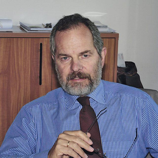 Bérczi László, MRICS